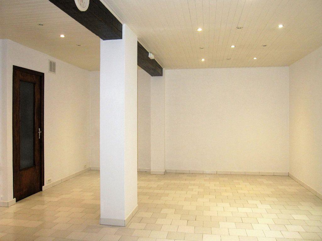Appartement à vendre 1 34m2 à Château-Arnoux-Saint-Auban vignette-2