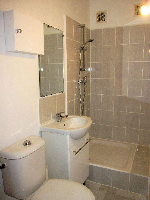 Appartement à vendre 1 34m2 à Château-Arnoux-Saint-Auban vignette-3