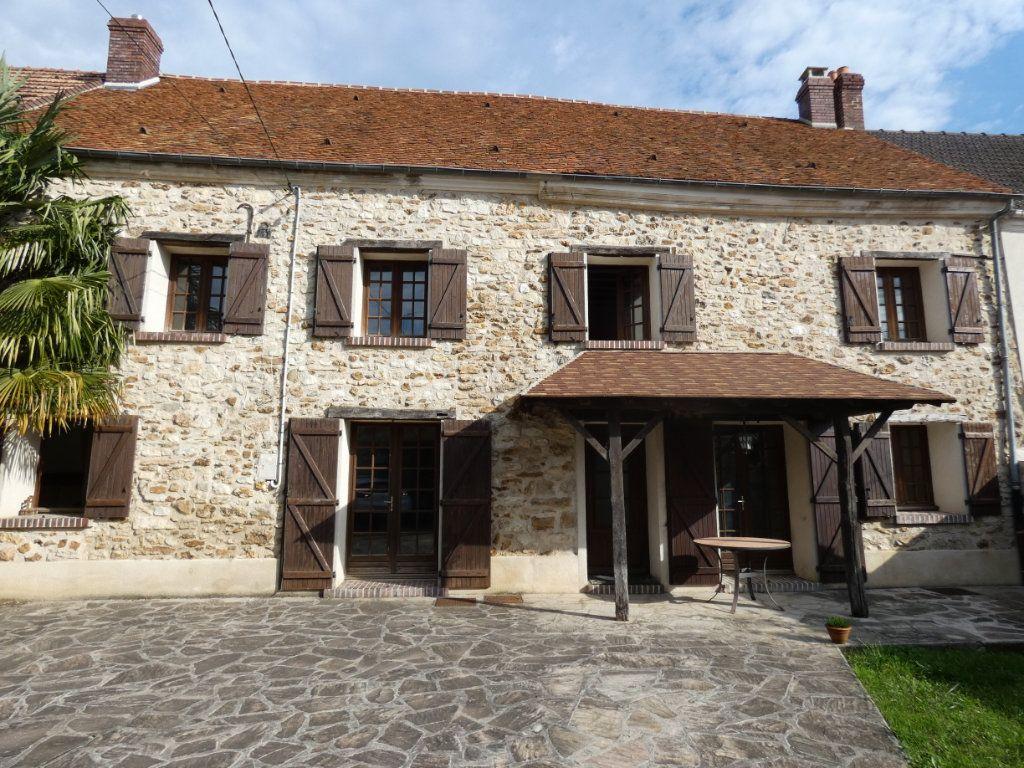 Maison à vendre 8 245m2 à Essômes-sur-Marne vignette-1