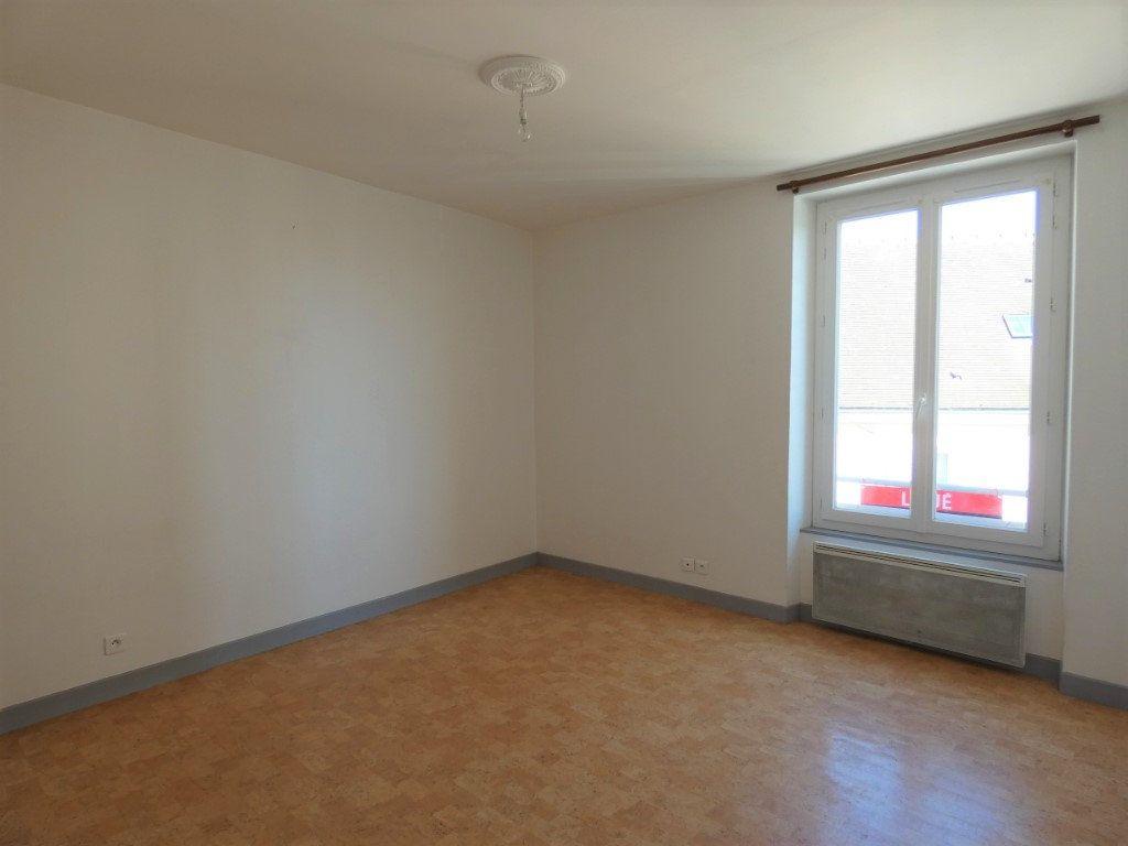 Appartement à louer 4 66m2 à Château-Thierry vignette-2
