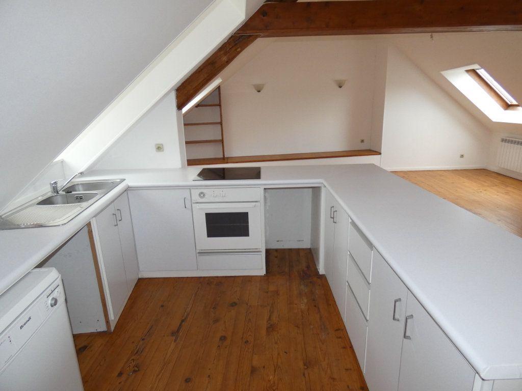 Appartement à louer 4 70.84m2 à Château-Thierry vignette-7