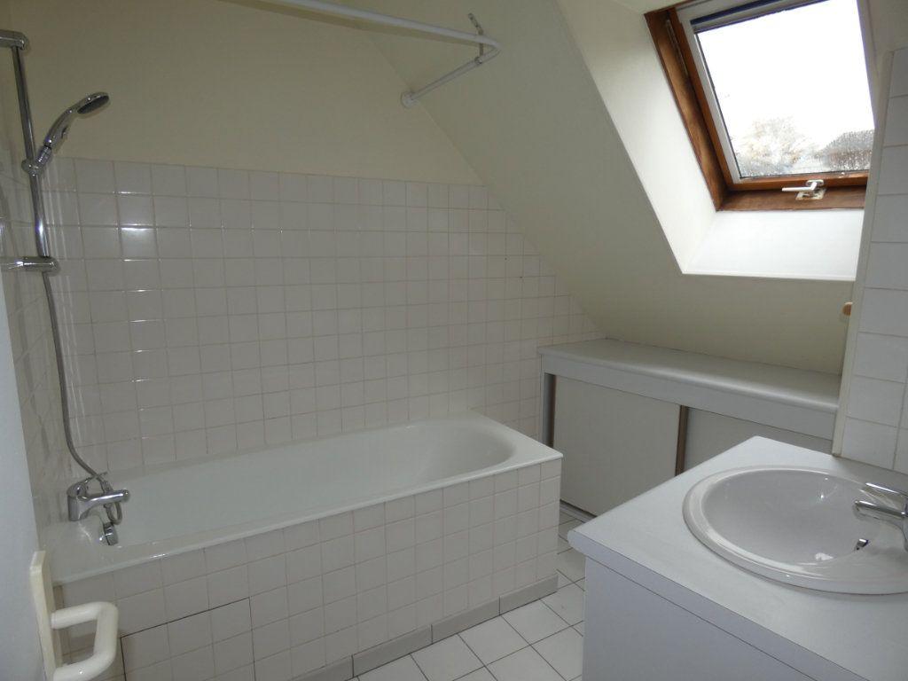 Appartement à louer 4 70.84m2 à Château-Thierry vignette-8