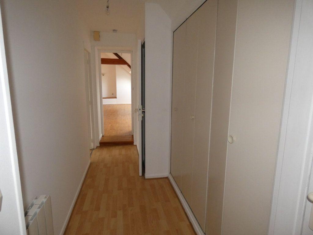 Appartement à louer 4 70.84m2 à Château-Thierry vignette-9