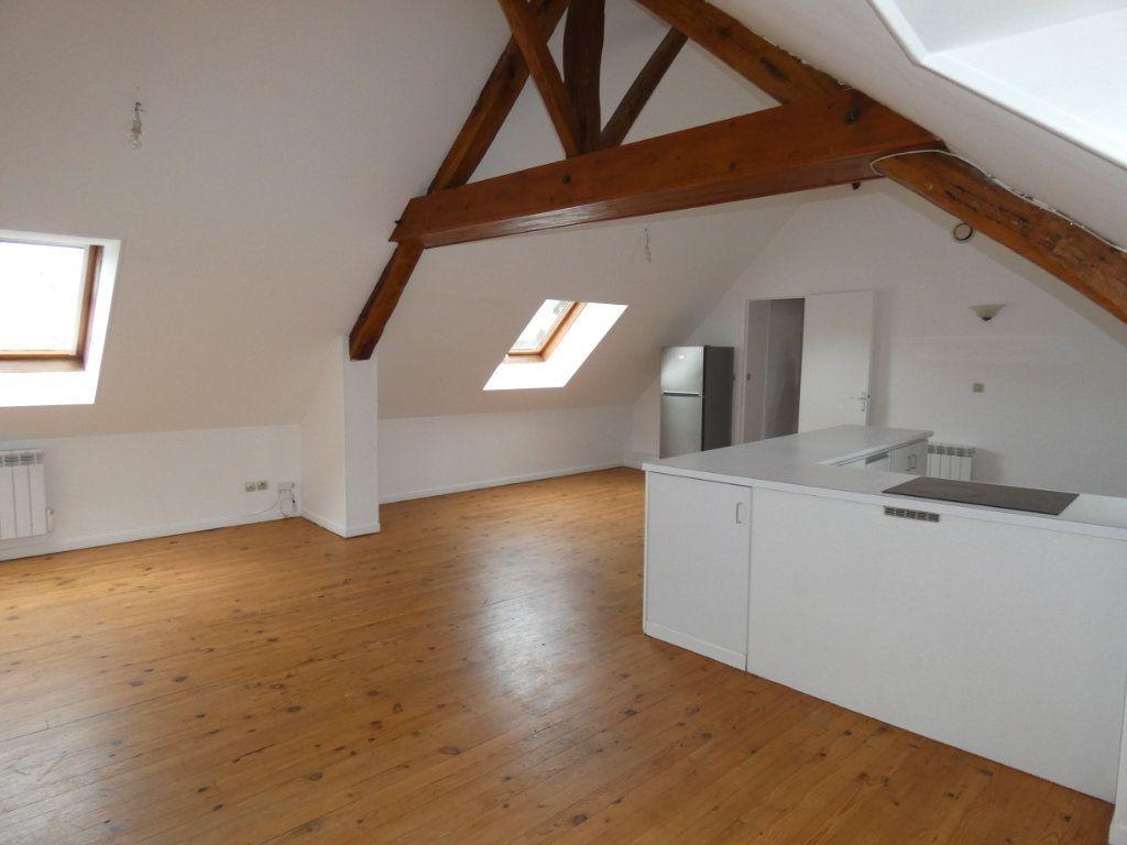 Appartement à louer 4 70.84m2 à Château-Thierry vignette-10