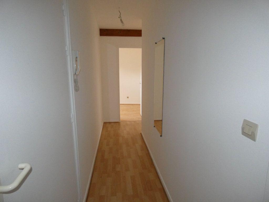 Appartement à louer 4 70.84m2 à Château-Thierry vignette-11