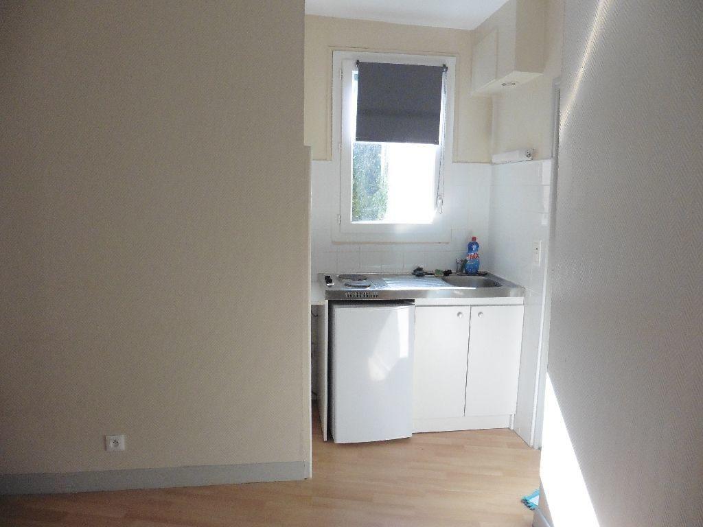 Appartement à louer 2 25.55m2 à Château-Thierry vignette-2