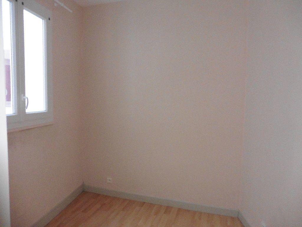 Appartement à louer 2 25.55m2 à Château-Thierry vignette-3