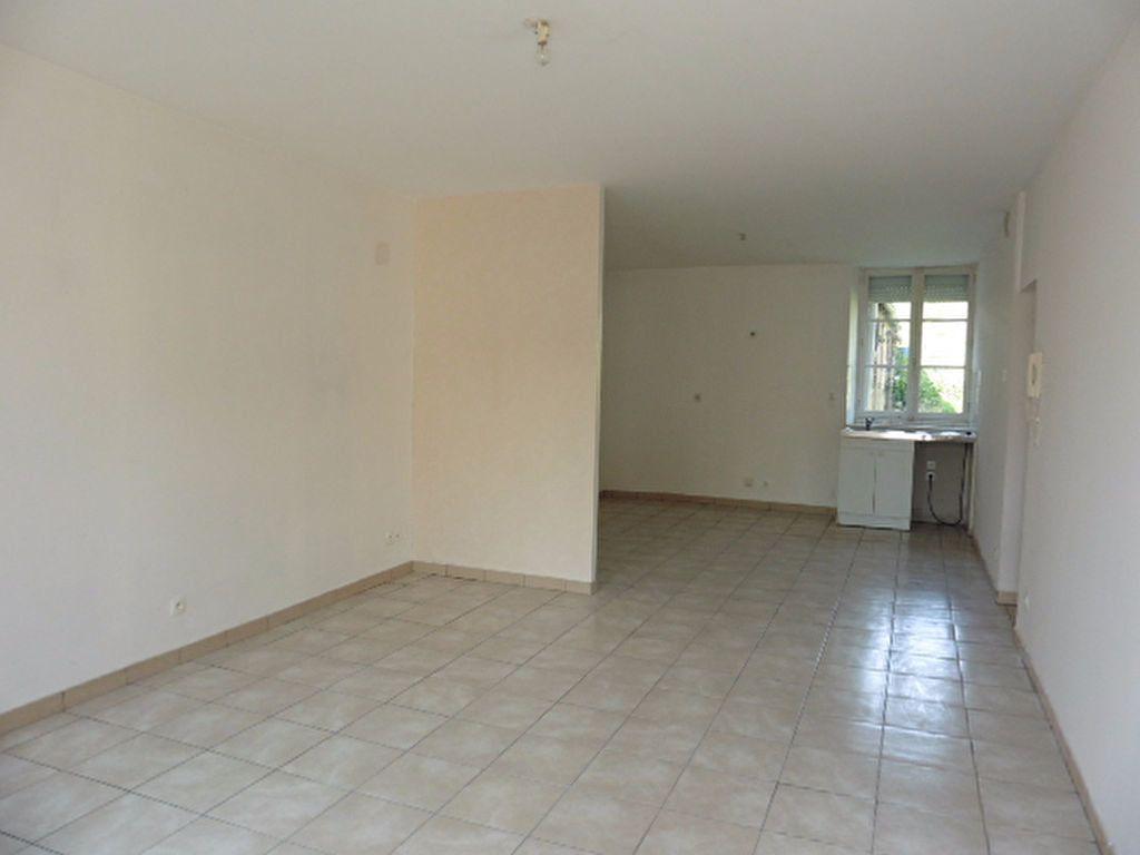 Appartement à louer 2 63m2 à Gland vignette-1
