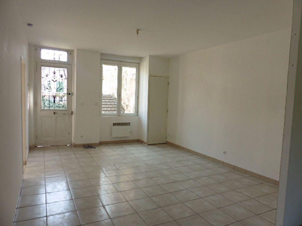 Appartement à louer 2 63m2 à Gland vignette-2