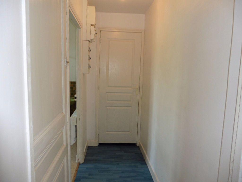 Appartement à louer 2 63m2 à Gland vignette-5