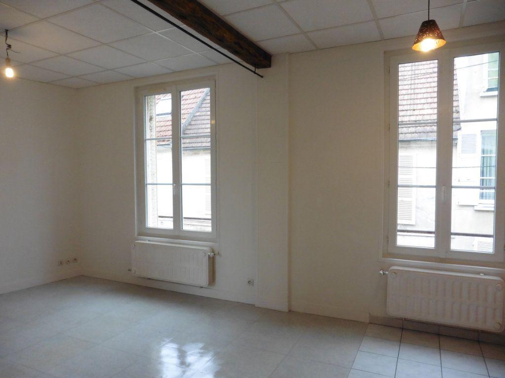Appartement à louer 3 52m2 à Château-Thierry vignette-2