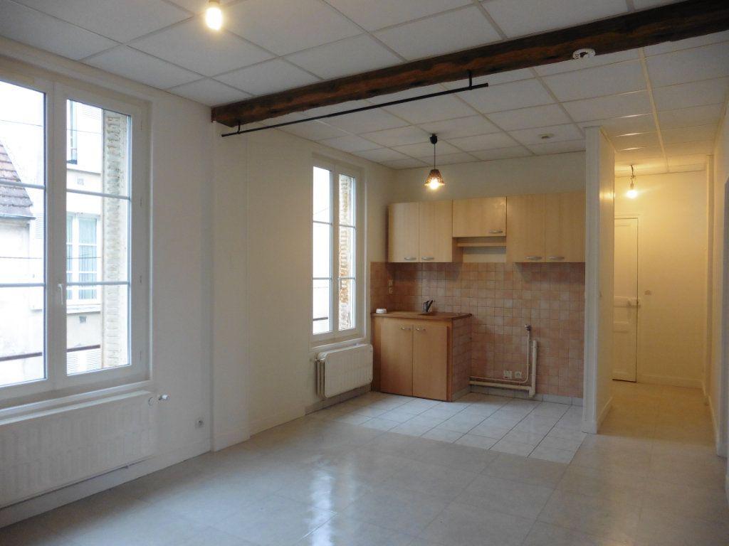 Appartement à louer 3 52m2 à Château-Thierry vignette-3