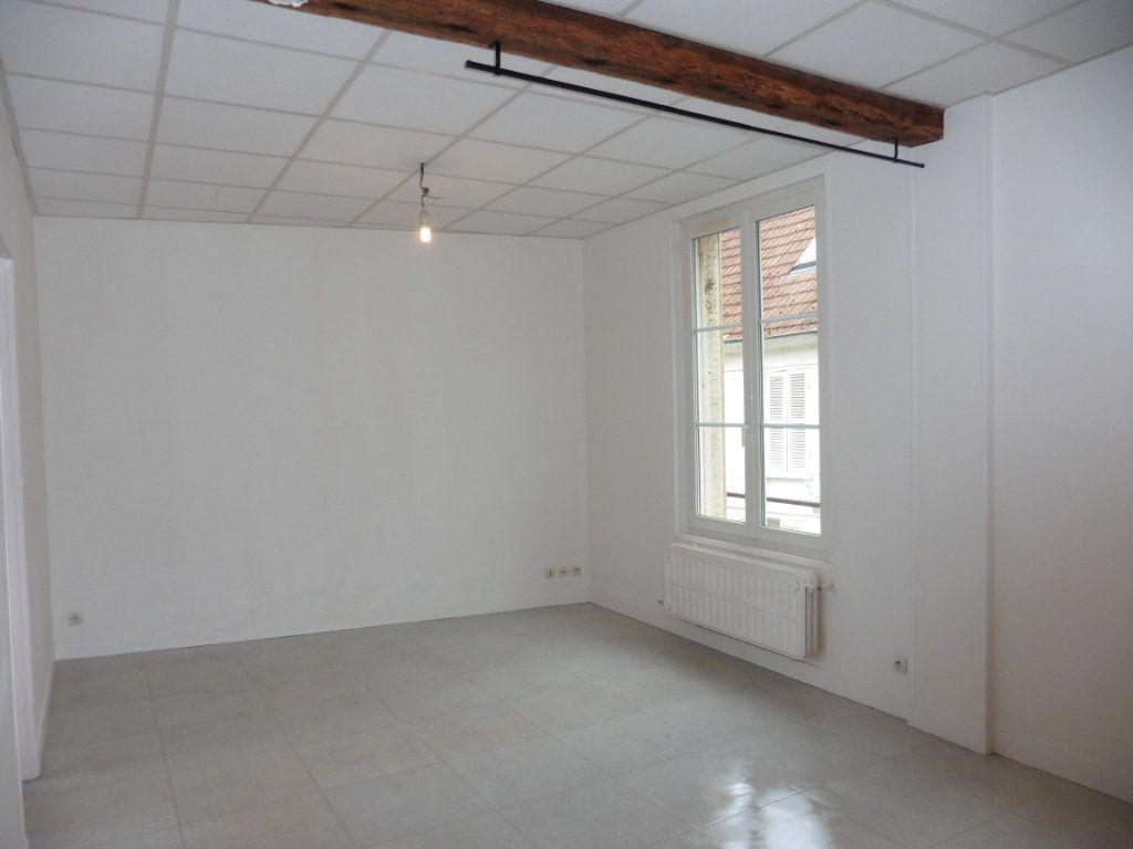 Appartement à louer 3 52m2 à Château-Thierry vignette-4