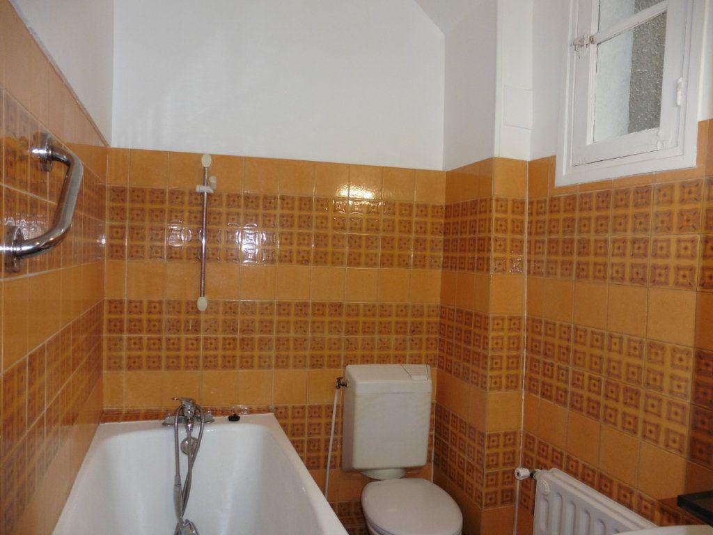 Appartement à louer 3 52m2 à Château-Thierry vignette-5