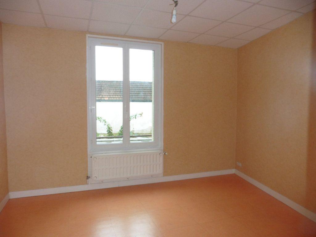 Appartement à louer 3 52m2 à Château-Thierry vignette-6