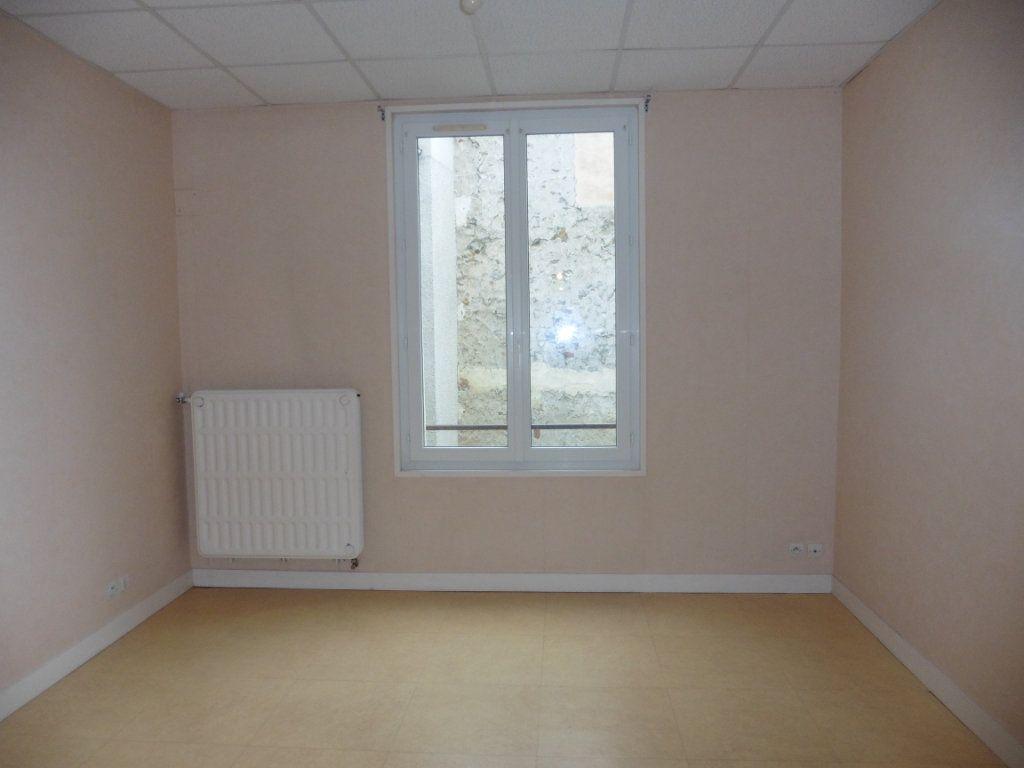 Appartement à louer 3 52m2 à Château-Thierry vignette-7