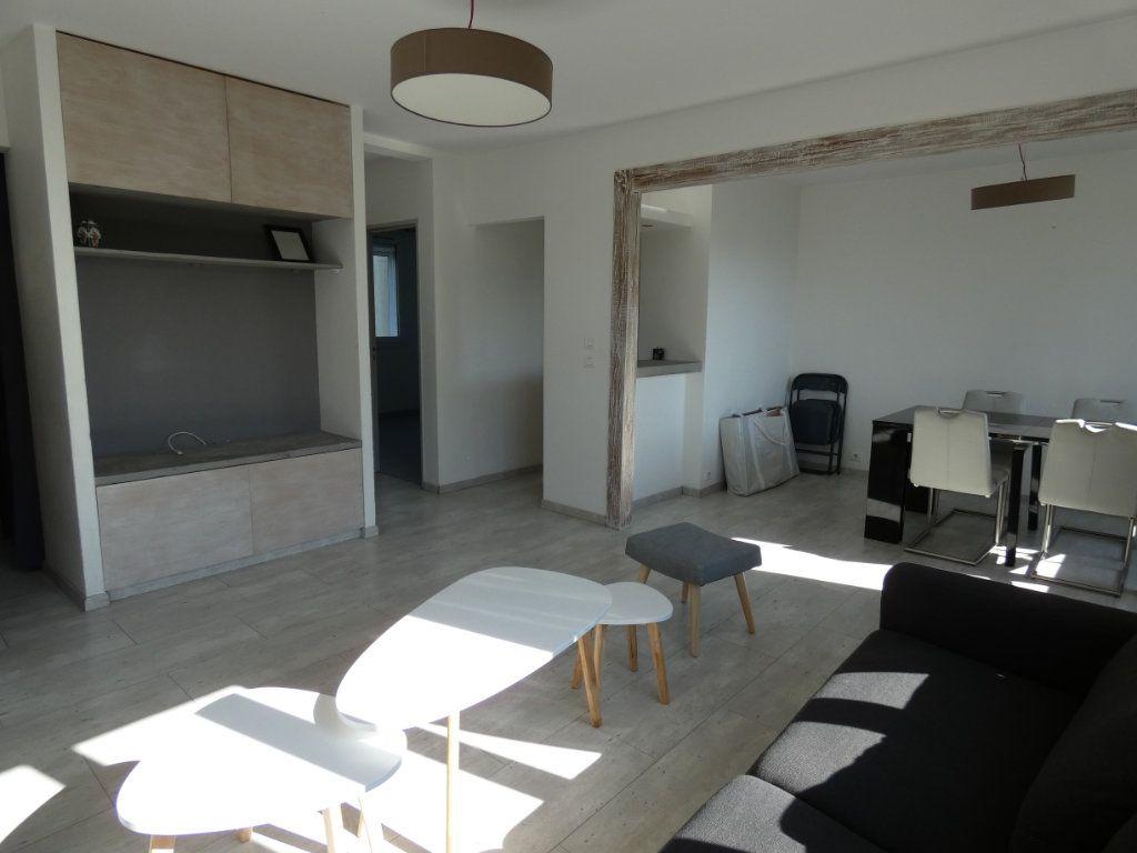 Appartement à louer 4 79.16m2 à Château-Thierry vignette-11