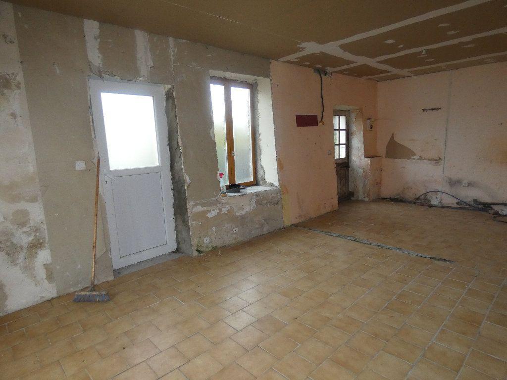 Maison à vendre 4 110m2 à Neuilly-Saint-Front vignette-5