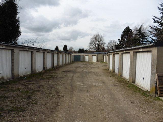 Stationnement à louer 0 0m2 à Saâcy-sur-Marne vignette-1