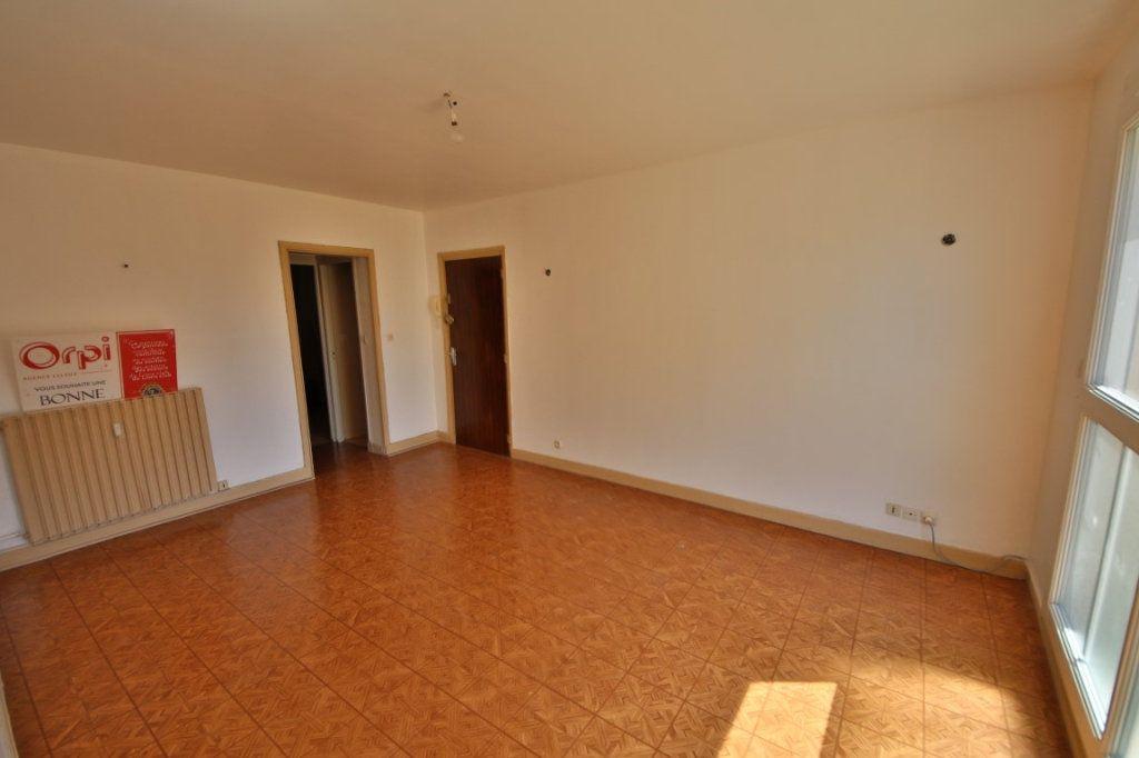 Appartement à vendre 4 65m2 à Étampes-sur-Marne vignette-2