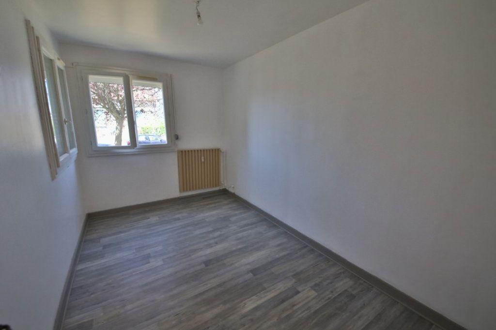 Appartement à vendre 4 65m2 à Étampes-sur-Marne vignette-3