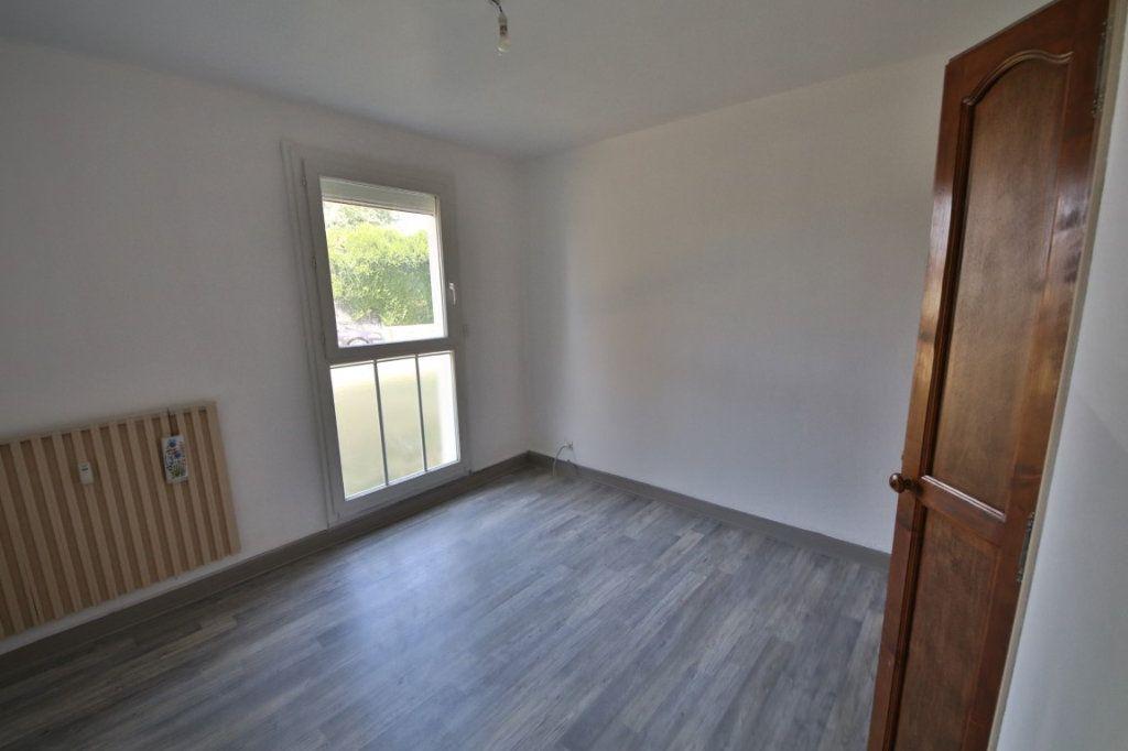 Appartement à vendre 4 65m2 à Étampes-sur-Marne vignette-6
