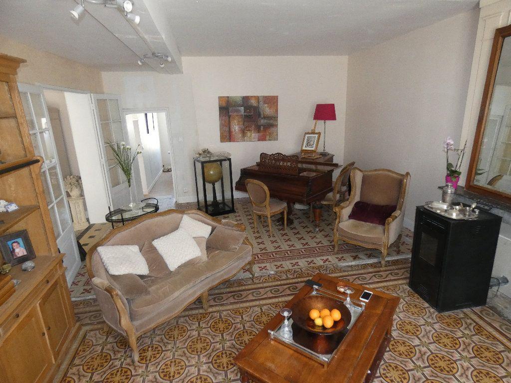 Maison à vendre 5 183m2 à Crouy-sur-Ourcq vignette-1