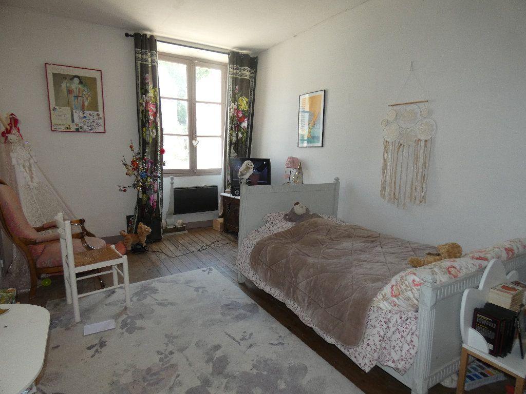 Maison à vendre 5 183m2 à Crouy-sur-Ourcq vignette-10