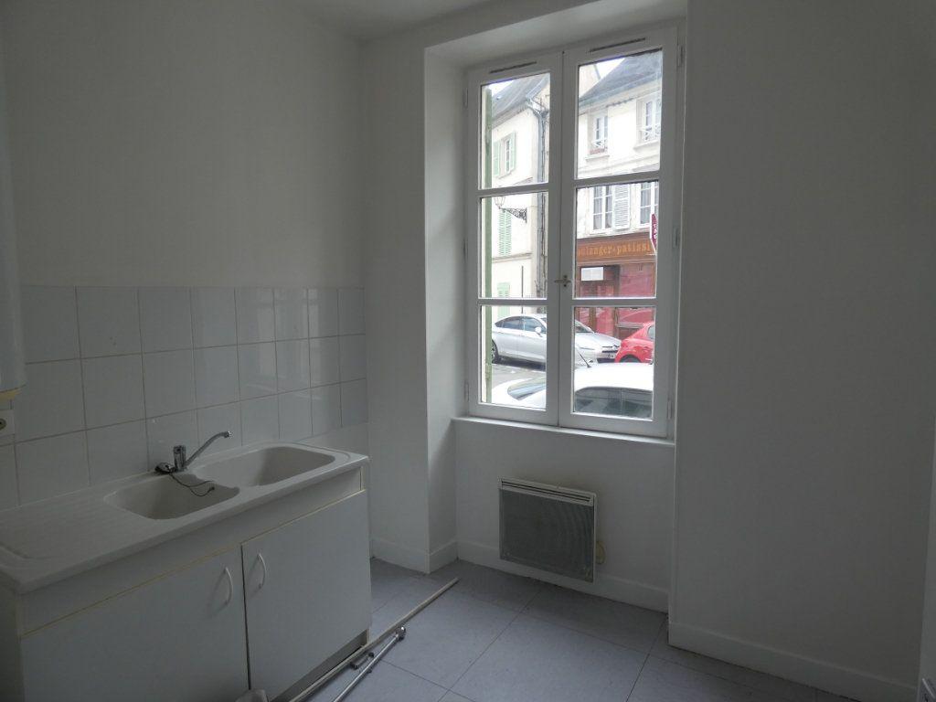 Appartement à louer 3 53.84m2 à Château-Thierry vignette-3