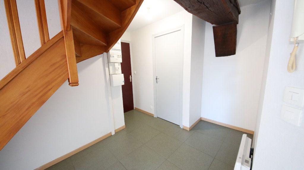 Appartement à louer 3 44.8m2 à Charly-sur-Marne vignette-2