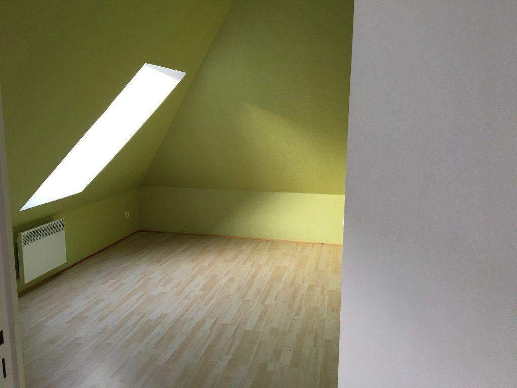 Appartement à vendre 4 63m2 à Château-Thierry vignette-3