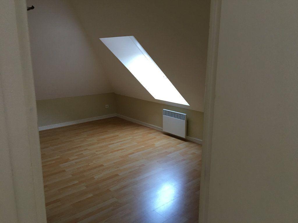 Appartement à vendre 4 63m2 à Château-Thierry vignette-4