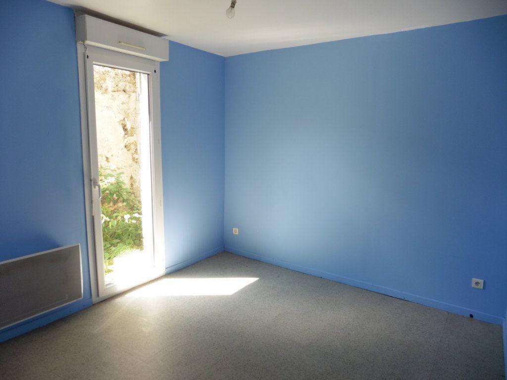 Appartement à louer 3 48.17m2 à Beuvardes vignette-1