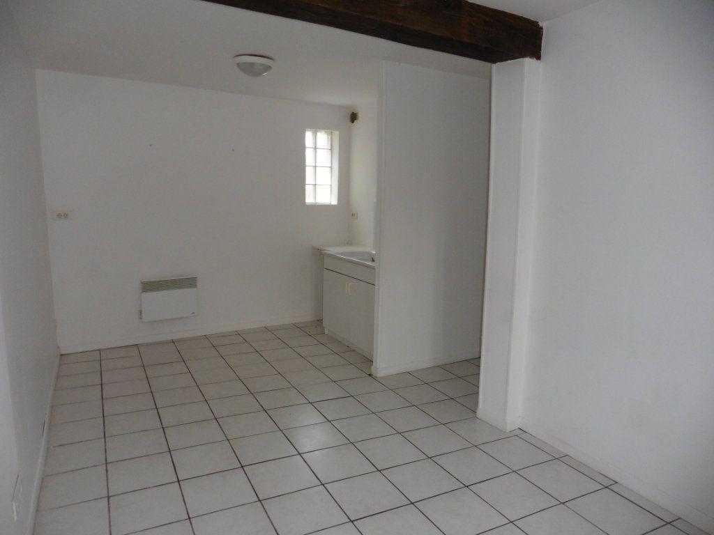 Appartement à louer 3 48.17m2 à Beuvardes vignette-2