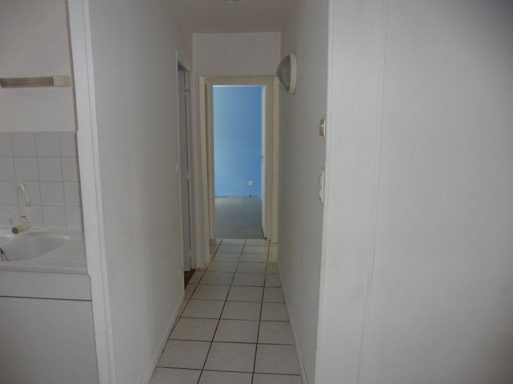 Appartement à louer 3 48.17m2 à Beuvardes vignette-6