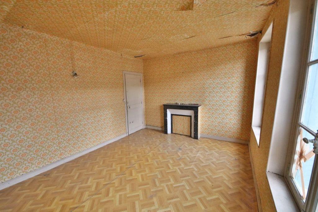 Maison à vendre 5 155m2 à Courtemont-Varennes vignette-3
