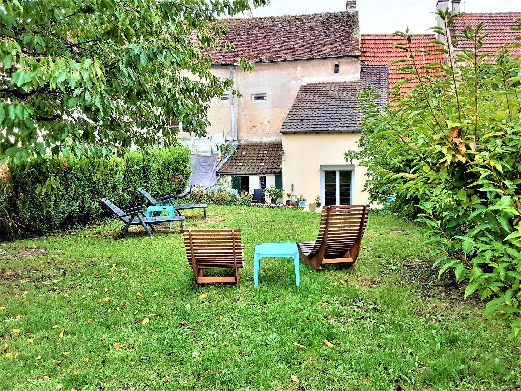 Maison à vendre 4 90m2 à Saâcy-sur-Marne vignette-1
