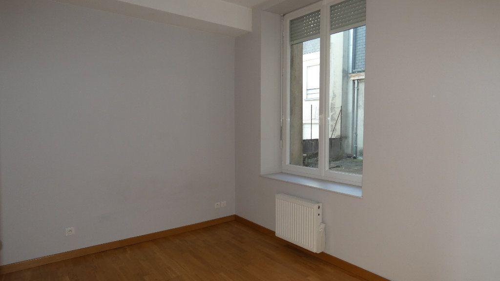 Appartement à louer 2 57.62m2 à Château-Thierry vignette-3