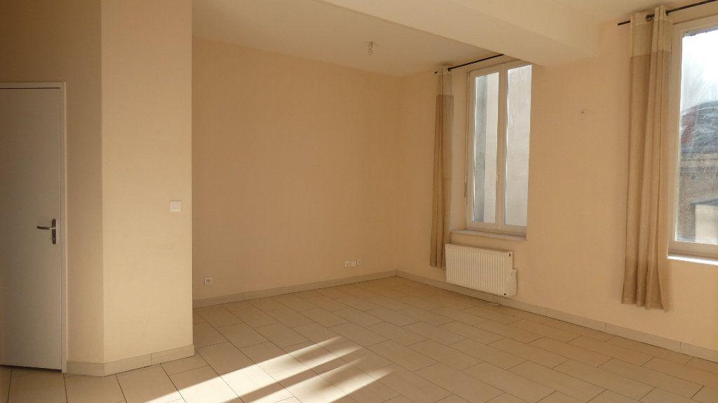 Appartement à louer 2 57.62m2 à Château-Thierry vignette-4