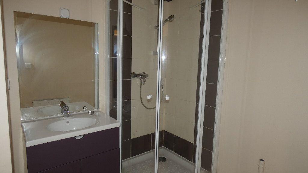 Appartement à louer 2 57.62m2 à Château-Thierry vignette-7