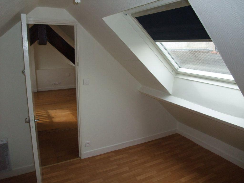 Appartement à louer 4 72.3m2 à Château-Thierry vignette-6