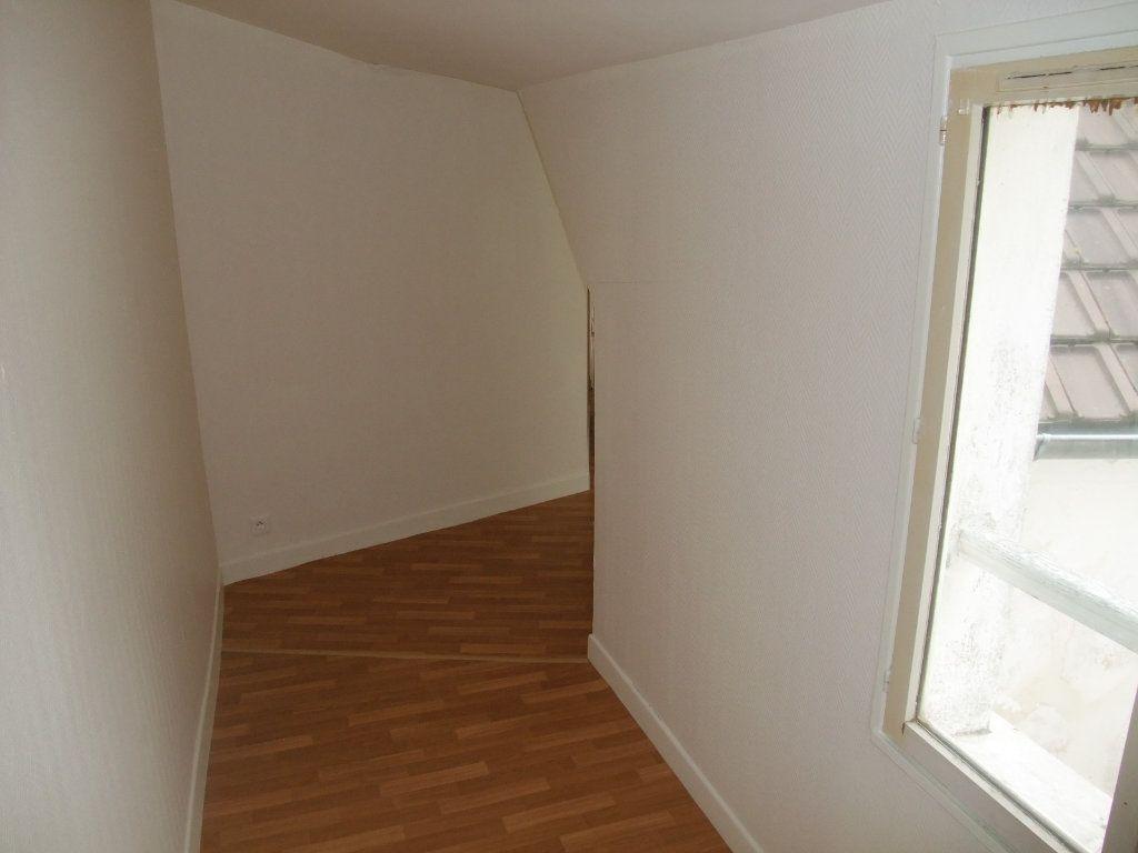 Appartement à louer 4 72.3m2 à Château-Thierry vignette-8
