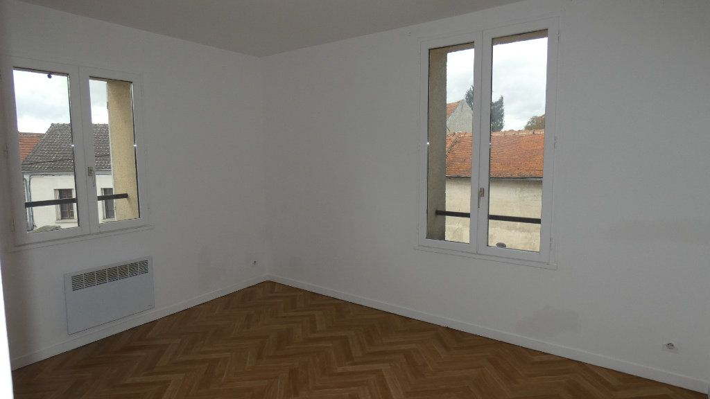 Appartement à louer 3 65.39m2 à Neuilly-Saint-Front vignette-2