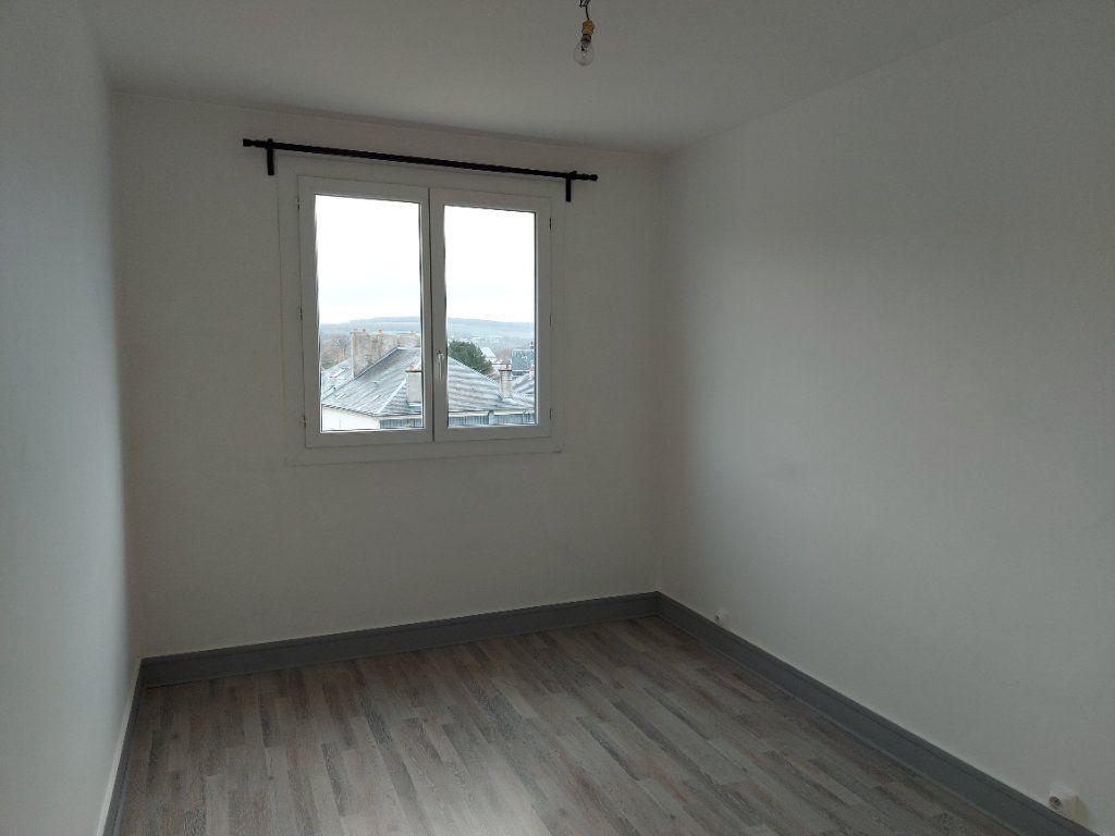 Appartement à louer 3 63.37m2 à Château-Thierry vignette-6