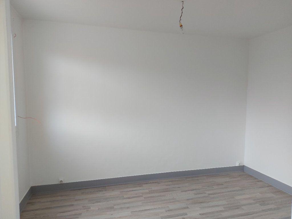 Appartement à louer 3 63.37m2 à Château-Thierry vignette-7