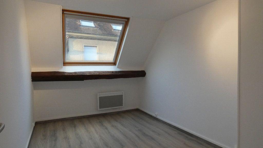 Appartement à louer 3 60.61m2 à Château-Thierry vignette-3