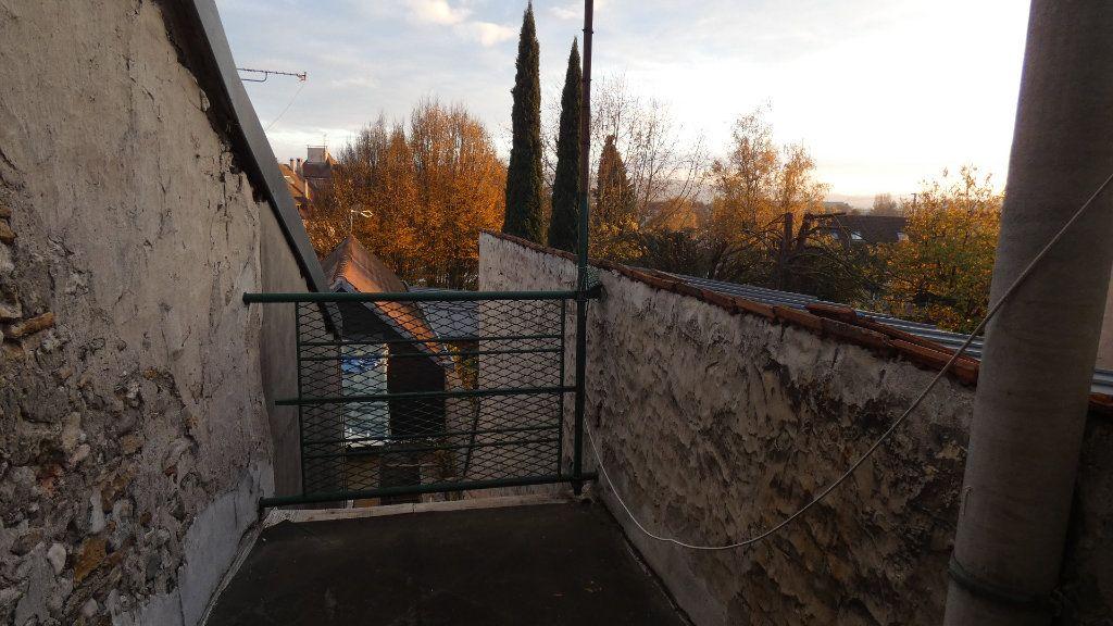 Appartement à louer 3 60.61m2 à Château-Thierry vignette-4