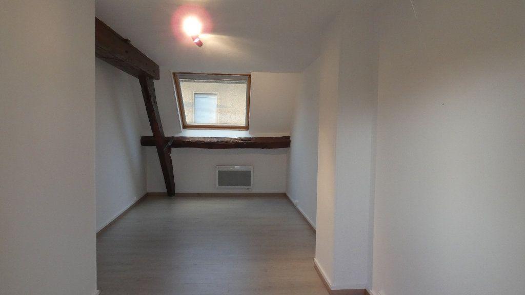 Appartement à louer 3 60.61m2 à Château-Thierry vignette-6