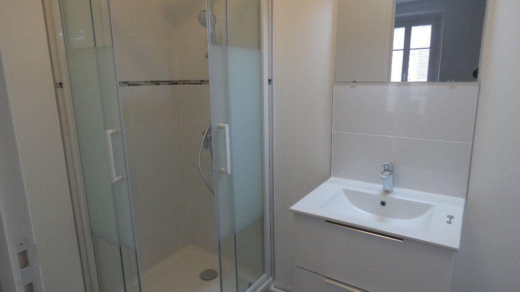 Appartement à louer 2 36.25m2 à Château-Thierry vignette-3
