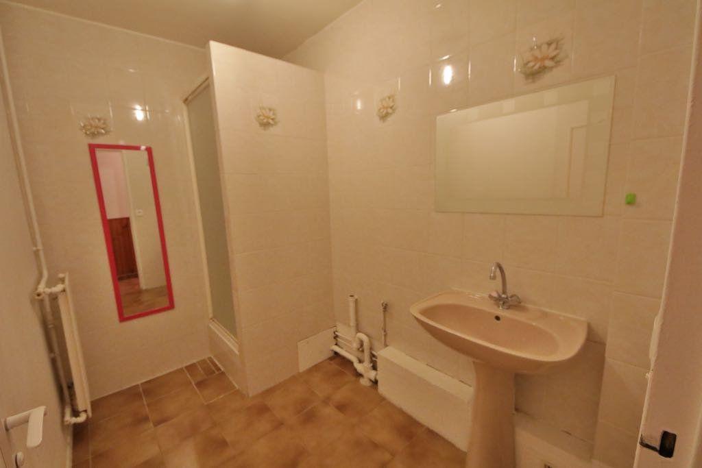 Appartement à vendre 4 76.85m2 à Château-Thierry vignette-5